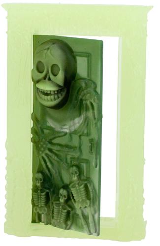 Green_hell_door-bog-hell_door-trampt-302973m