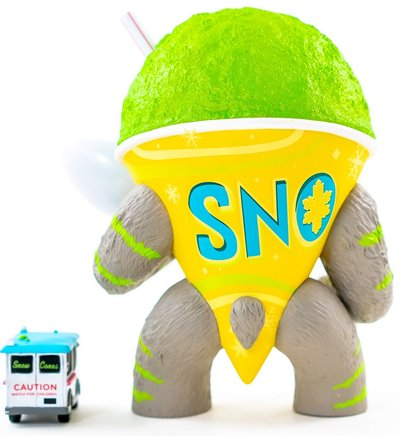 Lime_abominable_snowcone-jason_limon-abominable_snowcone-martian_toys-trampt-303302m