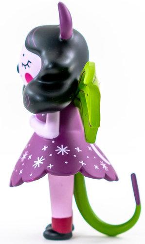 Midnight_moon_bat-nightly_made-moon_bat-martian_toys-trampt-303368m