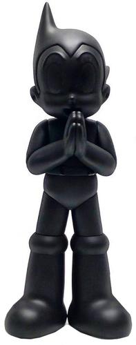 Black_on_black_greeting_edition_astro_boy-keithing_keith_poon-greeting_edition_astro_boy-toyqube-trampt-303621m