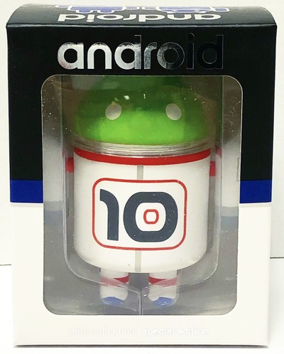Astronaut_10_year_anniversary_android-andrew_bell-android-dyzplastic-trampt-304162m