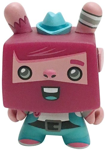 Pantone_dcon_vincent_dunny_polyphony_exclusive-scott_tolleson-dunny-kidrobot-trampt-304789m