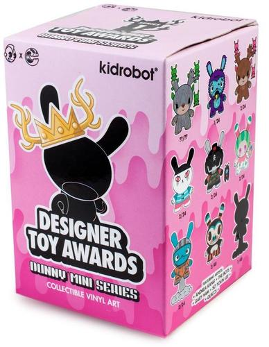 Trouble_maker-andrea_kang-dunny-kidrobot-trampt-304849m