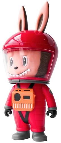 Red_labubu_astronaut-kasing_lung_shon_side-labubu-how2work-trampt-305060m