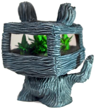 Natural_grey_nugg_grows_wooden-ian_ziobrowski-dunny-trampt-305450m