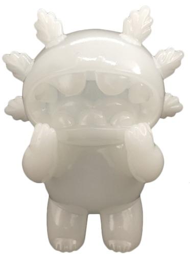 Milky_white_6feet_axolotl_macaroni-grape_brain-6feet_axolotl_macaroni-self-produced-trampt-305565m