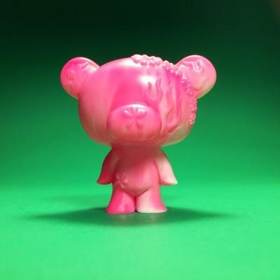 Junko_bear_-_pink-junko_mizuno-junko_bear-scott_wilkowski-trampt-305994m