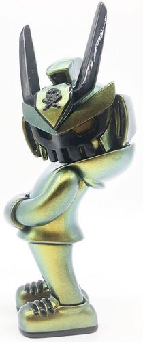 Metallic_goldgreen_chameleon_teq63-popem_out_creation-teq63-trampt-306505m