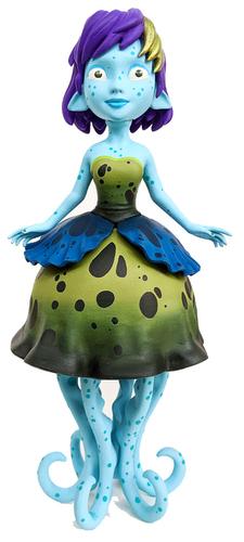 Princess_of_land__sea-cat_atomic-ellie_the_jellyfish_princess-trampt-307590m