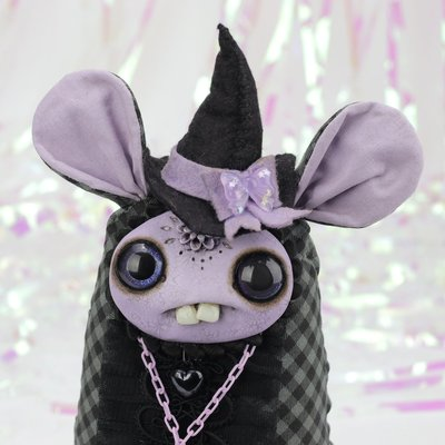 Lavender_witch-amanda_louise_spayd-mixed_media-trampt-308176m
