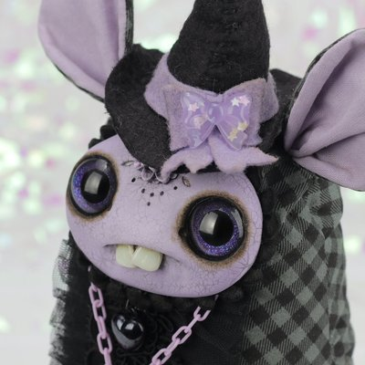Lavender_witch-amanda_louise_spayd-mixed_media-trampt-308177m