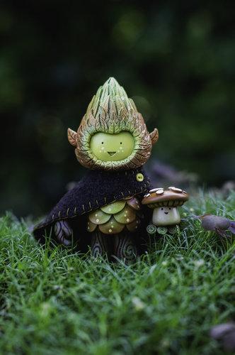 Muju_tree_spirit_cloak_and_mushroom-miss_muju-tree_spirit-trampt-309118m