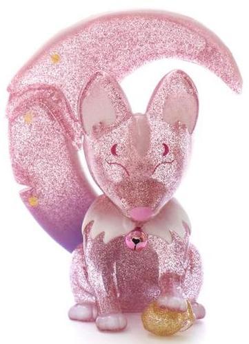 Aurora_pink_kama_kitsune-gilbert_yam-kama_kitsune-unbox_industries-trampt-309602m