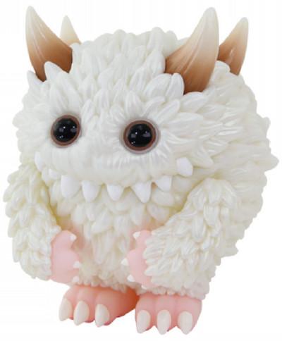 Fuzzy_monster_fluffy_1st_color-instinctoy_hiroto_ohkubo-monster_fluffy-instinctoy-trampt-309766m