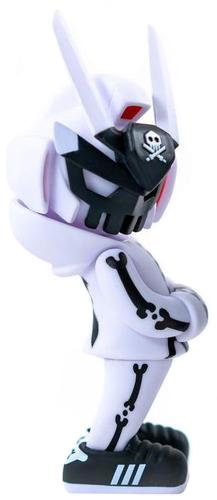 12_white_ghost_complex_teq63-quiccs-teq63_mega-martian_toys-trampt-310921m