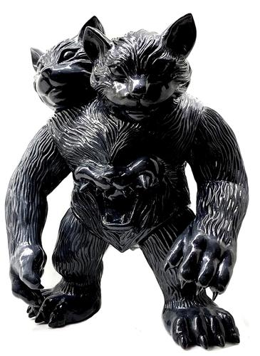 Black_nekomata-shirahama_dennis_hamann-nekomata-self-produced-trampt-311494m