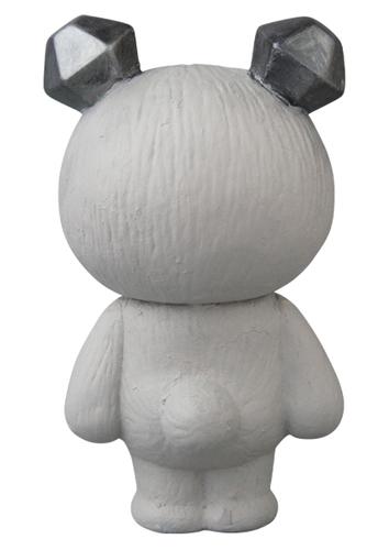 Gray_a_bear_cub_ice-mames-vag_vinyl_artist_gacha-medicom_toy-trampt-311863m