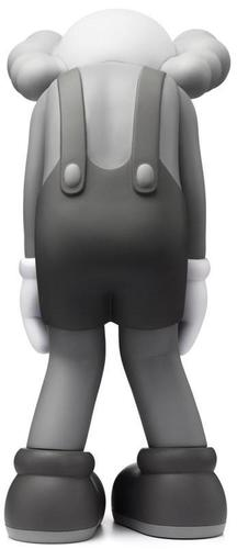 Small_lie_companion_-_grey-kaws-companion-medicom_toy-trampt-314182m