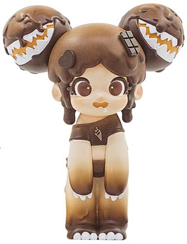 Chocolate_yaya-moedouble_sank_toys-yaya-self-produced-trampt-315323m