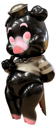 Kuro_bota__piggums-frank_kozik-piggums-blackbook_toy-trampt-316709m