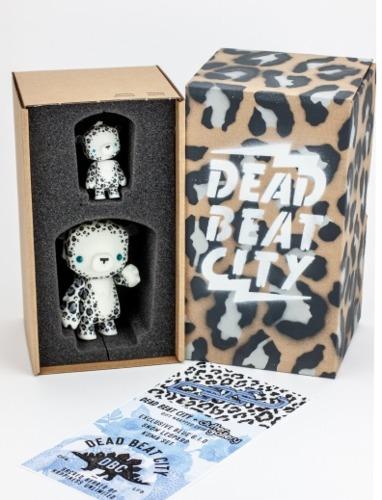 Snow_leopard_kuma_cubs-dead_beat_city-kuma_cub-self-produced-trampt-317576m