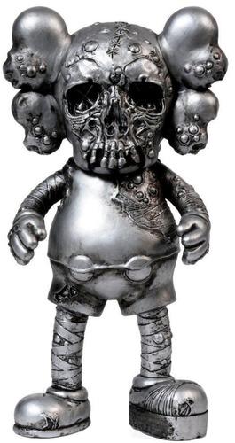 Kaws_x_pushead_companion_-_silver-kaws_brian_donnelly_pushead-pushead_companion-medicom_toy-trampt-318041m
