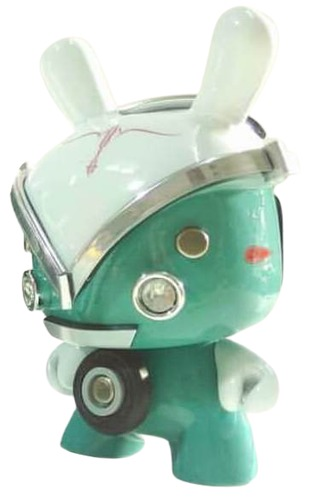 Vw_kombi_dunny_turquoise-jan_calleja-dunny-trampt-318142m