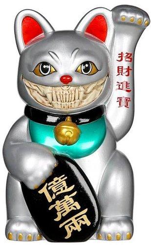 Platinum_lucky_cat_grin_grey-ron_english-lucky_cat_grin-pop_life-trampt-318613m