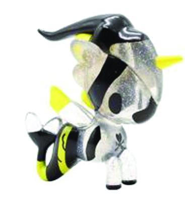 Stinger-tokidoki_simone_legno-mermicorno-self-produced-trampt-319627m