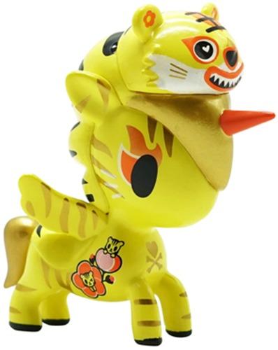 Year_of_the_tiger_unicorno-tokidoki_simone_legno-unicorno-self-produced-trampt-325234m