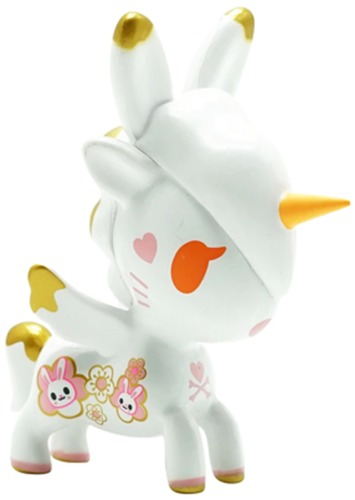 Year_of_the_rabbit-tokidoki_simone_legno-unicorno-self-produced-trampt-325235m