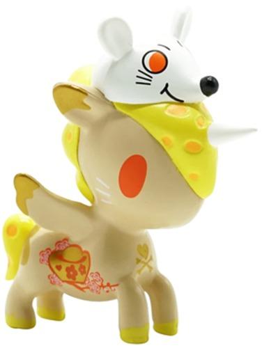 Year_of_the_mouse_unicorno-tokidoki_simone_legno-unicorno-self-produced-trampt-325236m