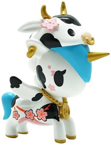 Year_of_the_ox_unicorno-tokidoki_simone_legno-unicorno-self-produced-trampt-325240m