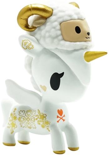 Year_of_the_goat_unicorno-tokidoki_simone_legno-unicorno-self-produced-trampt-325242m