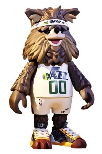Bear_utah_jazz_mascot-coolrain-nba_mascot-pop_mart-trampt-325354m