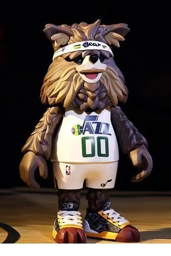 Bear_utah_jazz_mascot-coolrain-nba_mascot-pop_mart-trampt-325358m