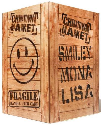 Smiley_mona_lisa-chinatown_market-smiley-mighty_jaxx-trampt-326681m