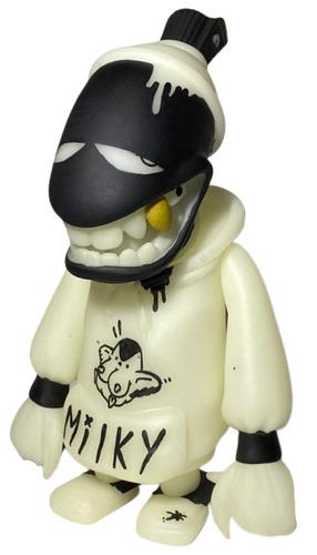 Gid_custom_madcan-bird_milk-spraycan_mutant-trampt-327526m