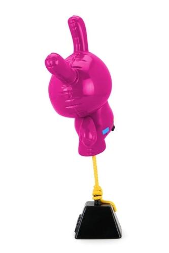Magenta_balloon_dunny-wendigo_toys-dunny-kidrobot-trampt-327910m