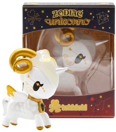 Aries__zodiac_unicorno-tokidoki_simone_legno-unicorno-self-produced-trampt-328187m