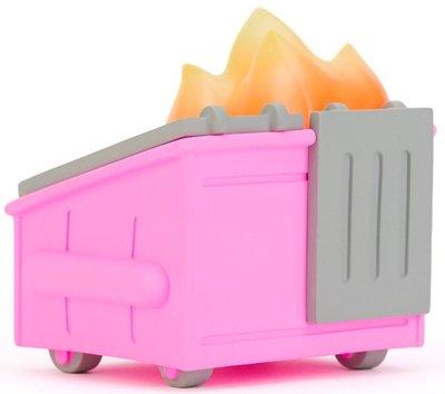 Pepto_pink_dumpster_fire_japan_la_exclusive-100_soft-dumpster_fire-self-produced-trampt-329361m