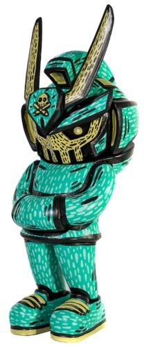 Emerald_dozen_distorted_megateq63-distort_monster-teq63-trampt-331272m