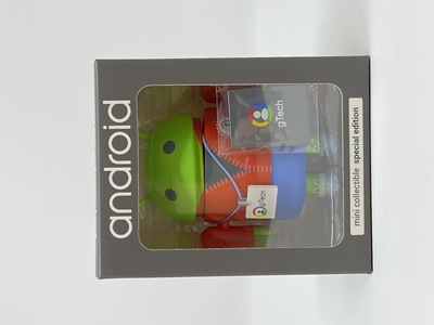 Gtecher_red_jacket_variant-andrew_bell-android-dyzplastic-trampt-332801m