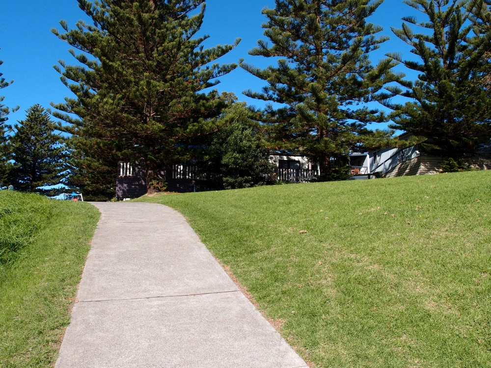 Kiama Surf Beach has plenty of walkways to jog or ride a bike