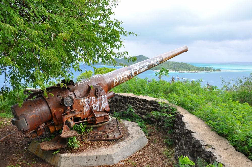 Bora Bora facts Cannon on Bora Bora