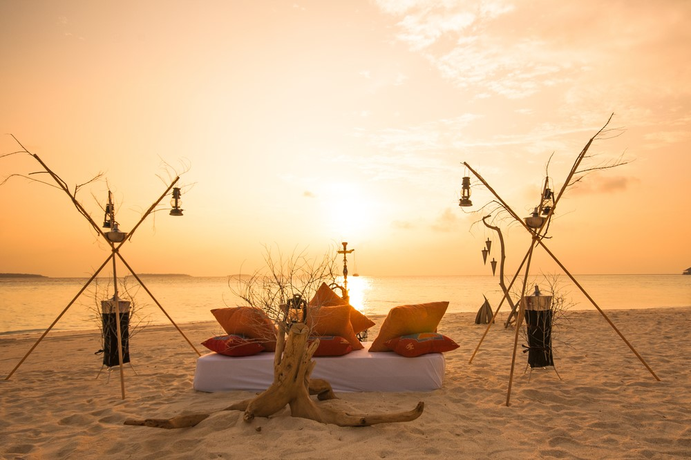 Activities and attractions on the Maldives Watch the sunsets