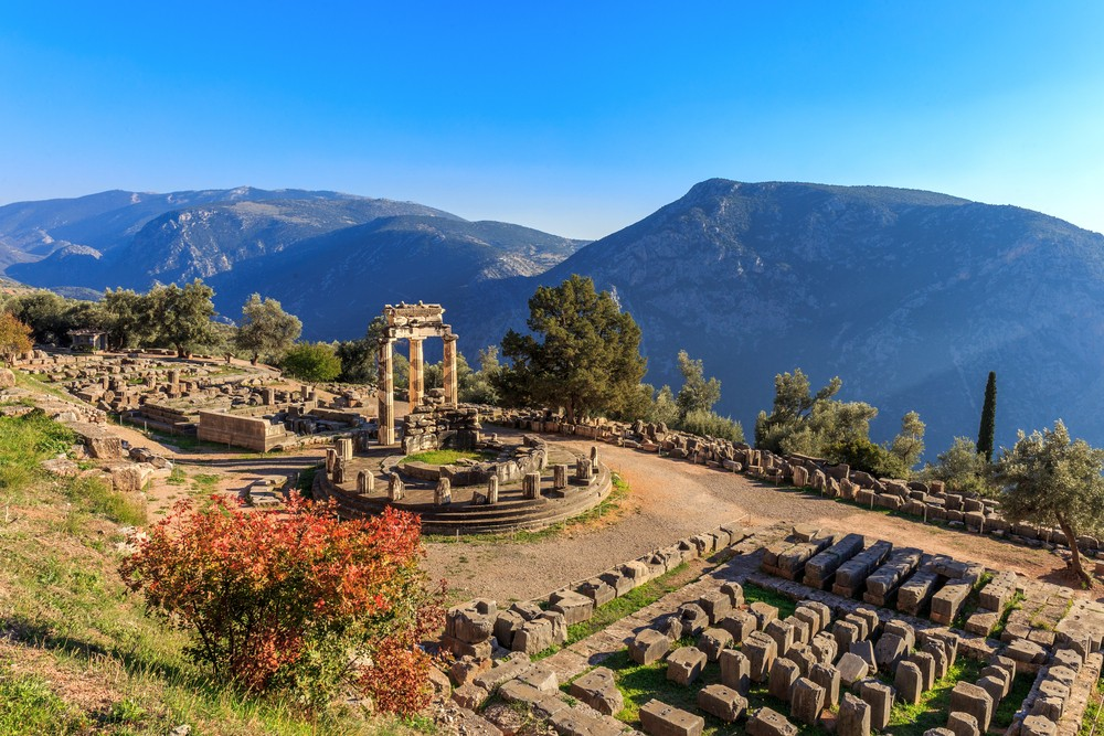 15 Must-See Places In Greece - Delphi