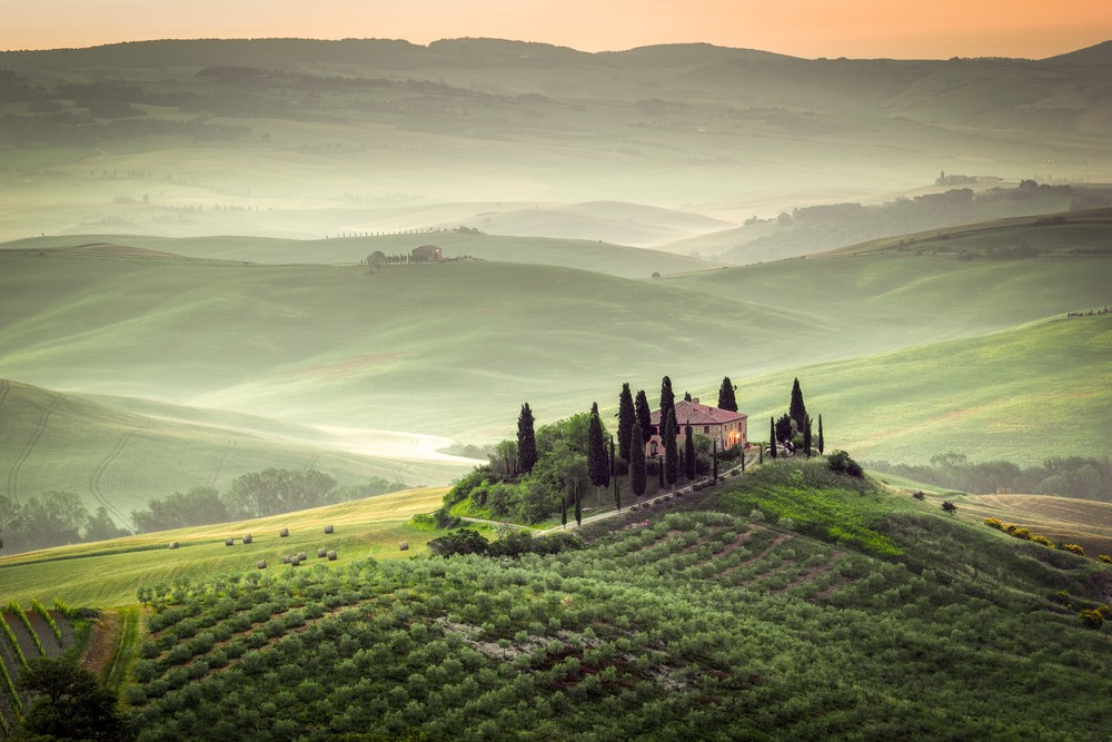 Things you should do in Italy Taste Tuscany's magnificent wine