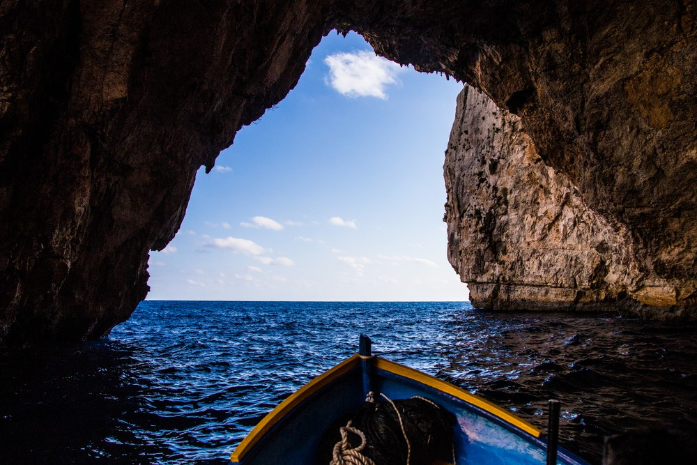Things you should do in Italy Row inside Blue Grotto