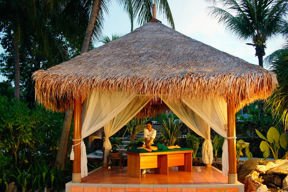Things to do in Fiji Get a massage in a tropical spa